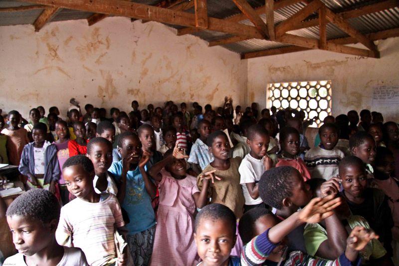 Kande, Malawi - school kids