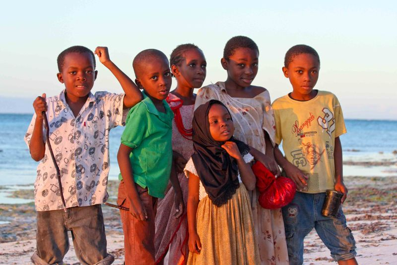 Nungwi, Zanzibar - snail search party