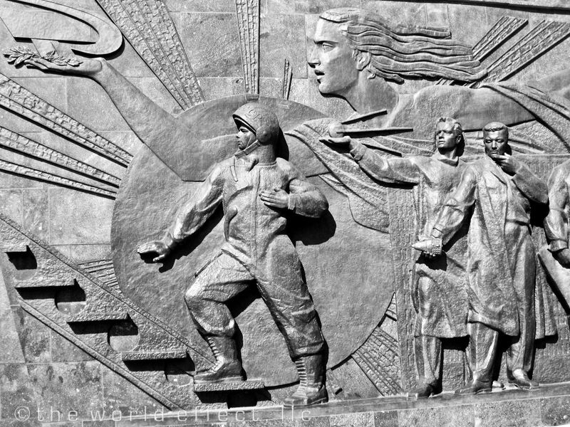 Cosmonaut memorial at the All Russian Exhibition Center (VVT)